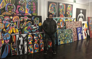 Enrique Pichardo, el pintor que nos devuelve la ilusión y libertad de nuestra infancia