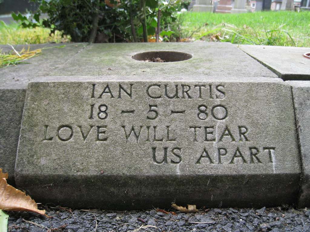 Ian-Curtis.jpg