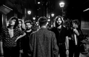 Restos de Sangre: Reseña del disco 'Asfalto' de la banda Indios