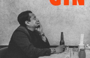 """Escucha """"Gin"""", el nuevo sencillo de Lázaro Cristóbal Comala"""