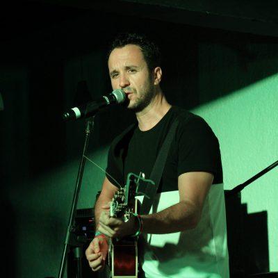 Nacho Llantada: música y motivación para la juventud