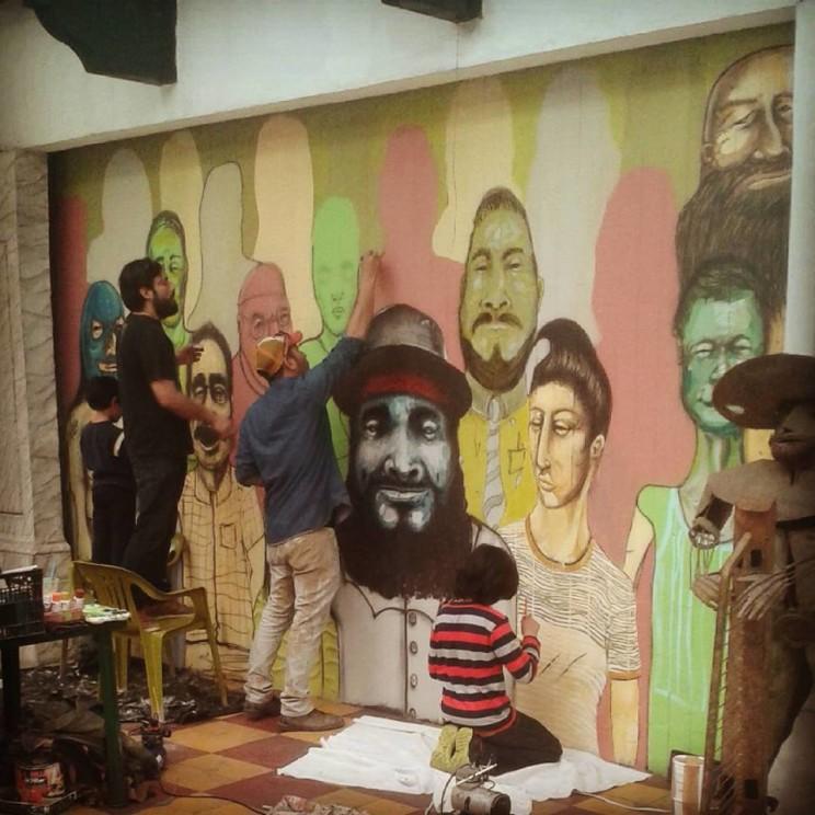 Artistas y personajes de Tijuana en un mural del Pasaje Rodríguez