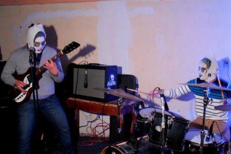 La urgencia de la Ayahuasca: Reseña del álbum Desidia de la banda 90´s