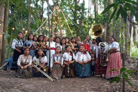 """""""Mujeres"""", un canto de resistencia y alegría de la Banda Femenil """"Mujeres del Viento Florido"""""""