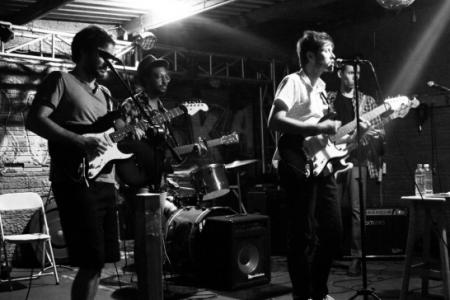 'Estado de Sitio Såo Francisco', el disco debut de la banda brasileña O Estrangeiro