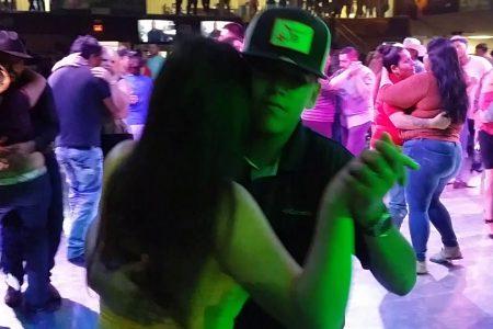 """(Relato) 'Video Disco Club: """"El mejor lugar para bailar""""' de Jossué Glezmed"""