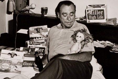 Celebrarán centenario de Bukowski con charlas y documental sobre su legado literario