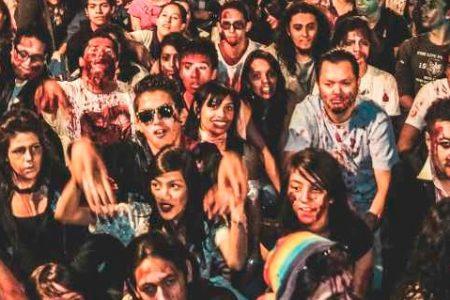 La invasión de los zombies en un festival de terror